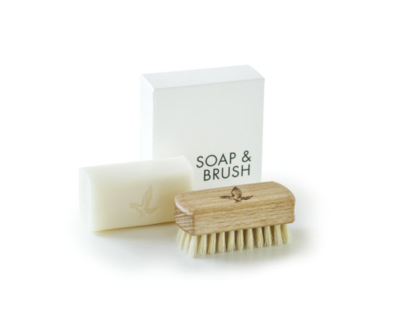 Cleaning in harmony with nature Soap & Brush