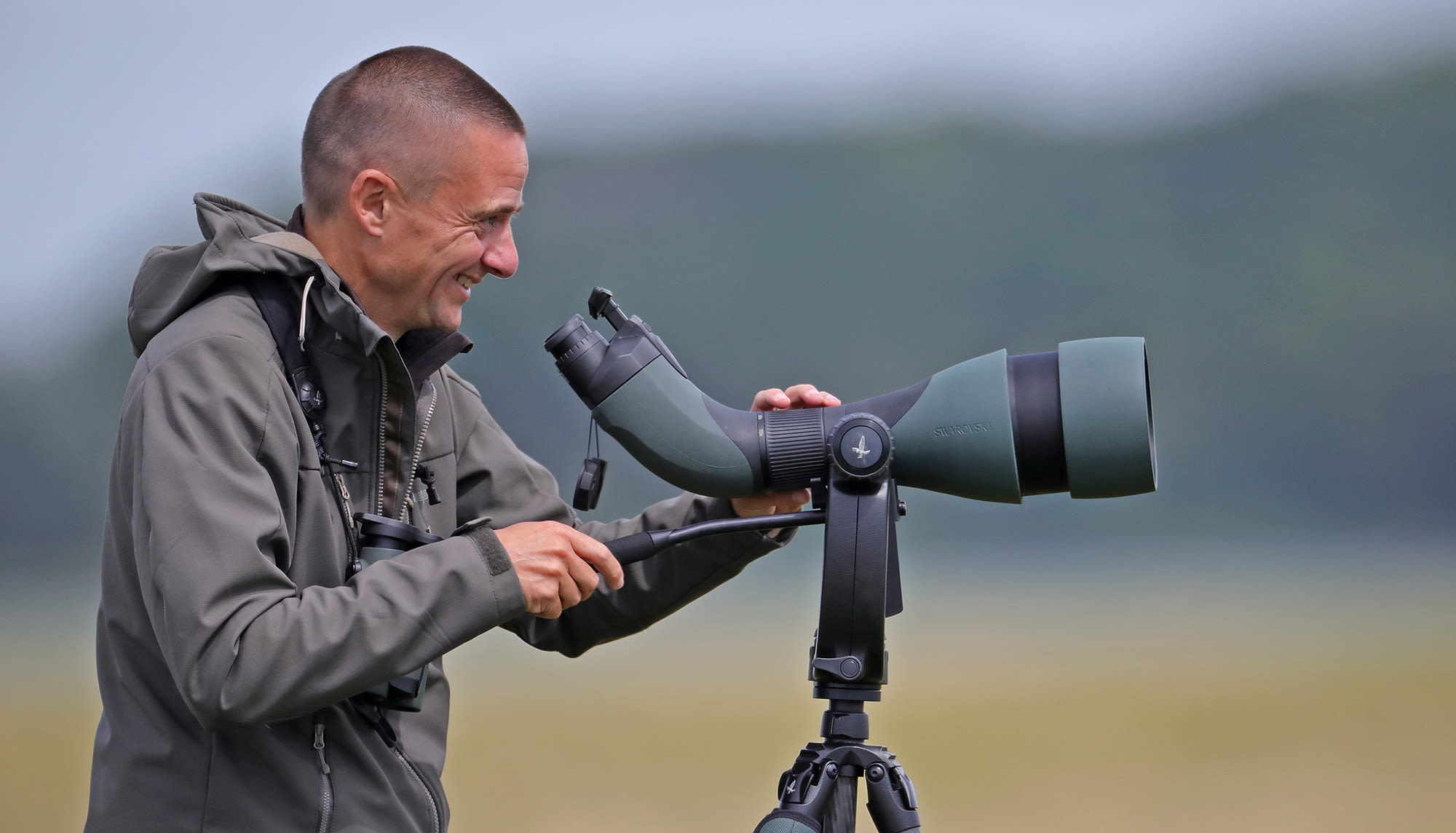 A joint adventure: Mark and Nils seawatching with the SWAROVSKI OPTIK 115-mm objective module - Mark Collier went birding on the Dutch coastline with the BTX 115-mm objective module