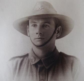 Harry Comper, ca 1916-1917.