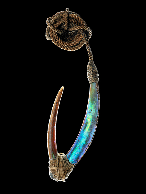 This pā kahawai (trolling lure) is made of pāua shell, bone, and muka.  [Pā kahawai trolling lure](/files/schools/hm92-pa-kahawai-trolling-lure-english.mp3)