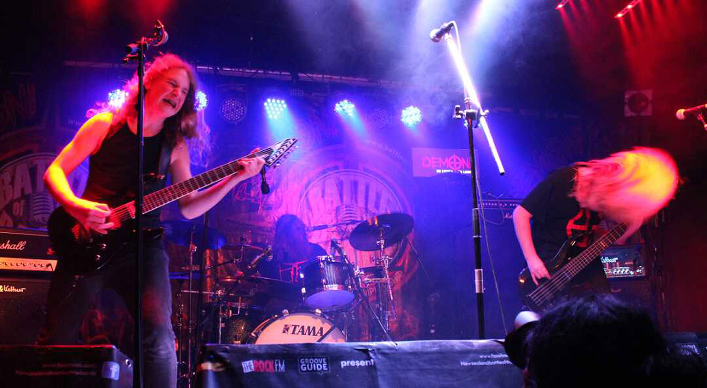 Alien Weaponry performing.