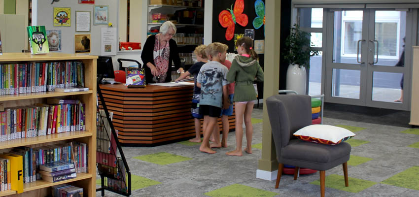School libraries | Services to Schools