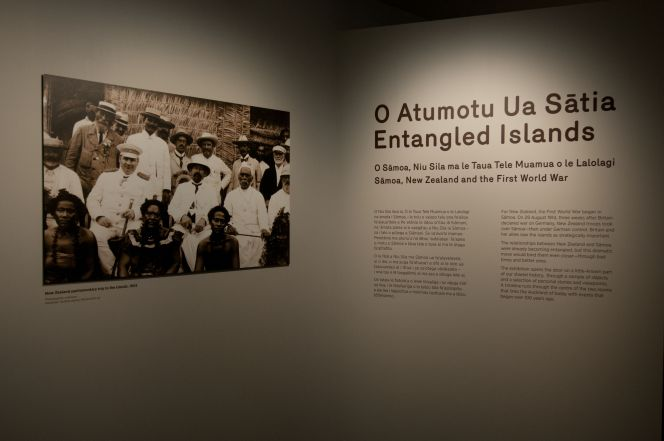 The Entangled Islands exhibition at Auckland War Memorial Museum. The photograph above depicts a New Zealand parliamentary trip to the islands in 1903.