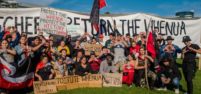 Ihumātao protesters' group photo in Parliament grounds