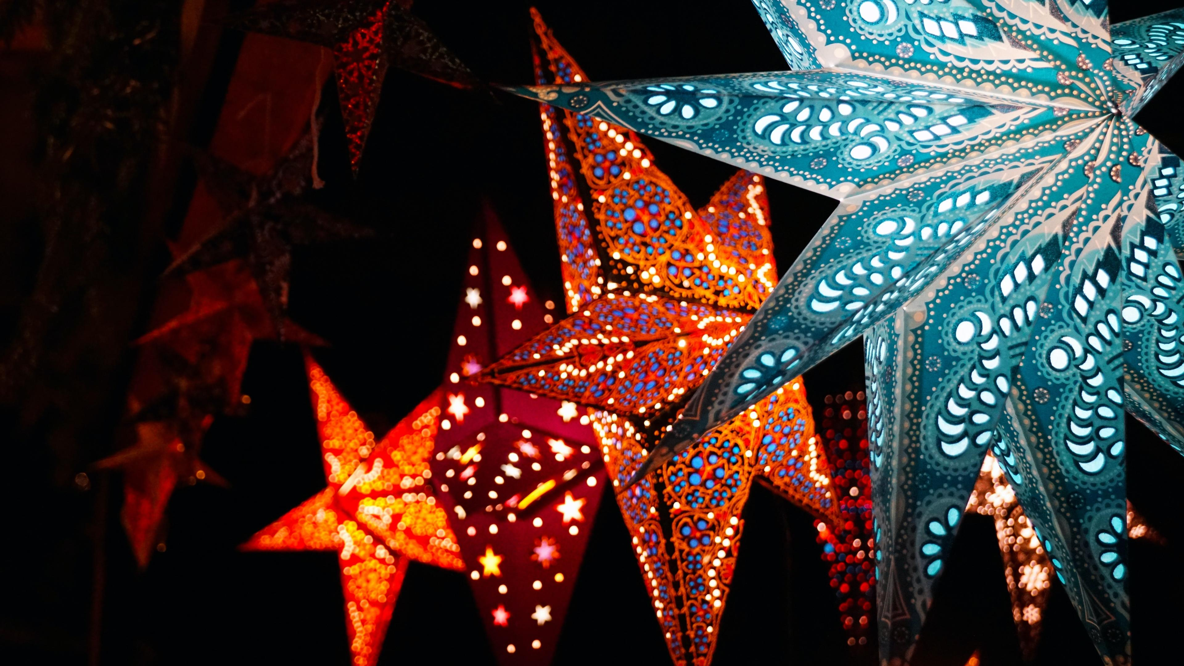 Star-shaped paper lanterns