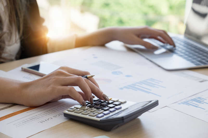 Bookkeeping vs accounting: which is right for your business? | QuickBooks  UK Blog