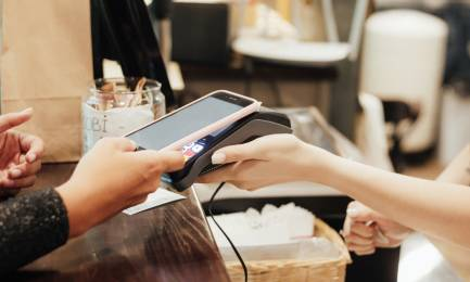 WHO advises people to use more contactless payment methods.