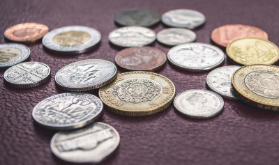 N26 how to save money as a teenager - coins - photo by Steve Johnson
