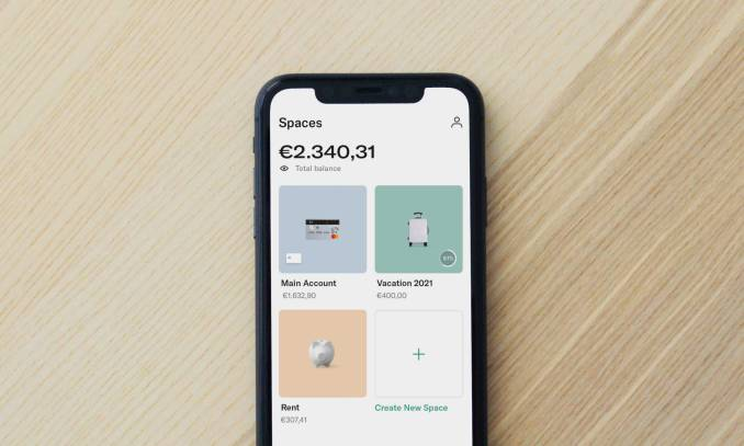 Smartphone on a desk with the N26 app opened.