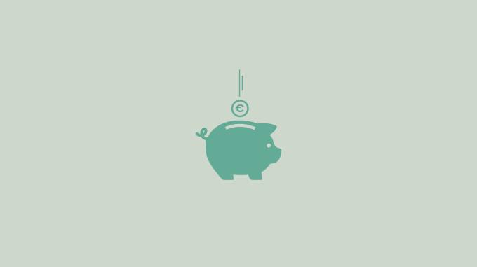 Piggy bank to symbolize budgeting tips (how to save money).