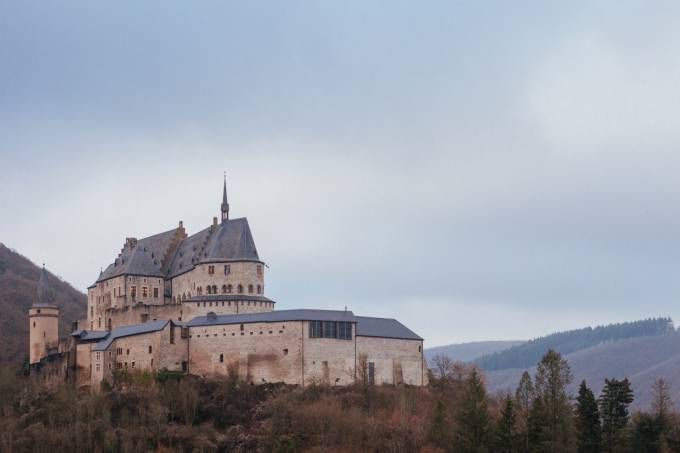 picture of vianden castle in luxembourg.