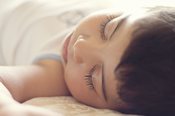 In dromenland zo help je je kind lekker te slapen_605x403