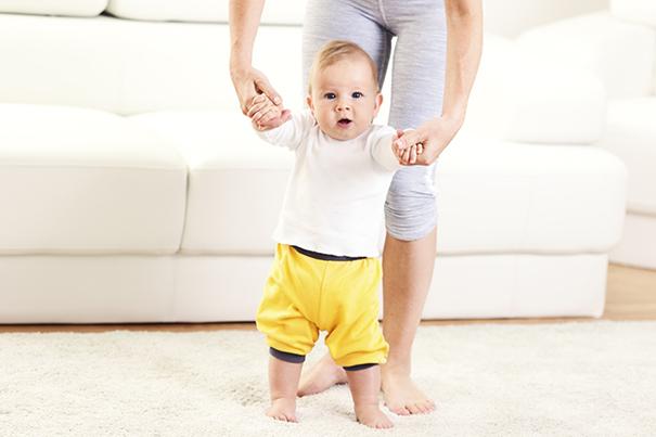 Van rollen tot lopen weet jij welke stappen je kind zet_605x403