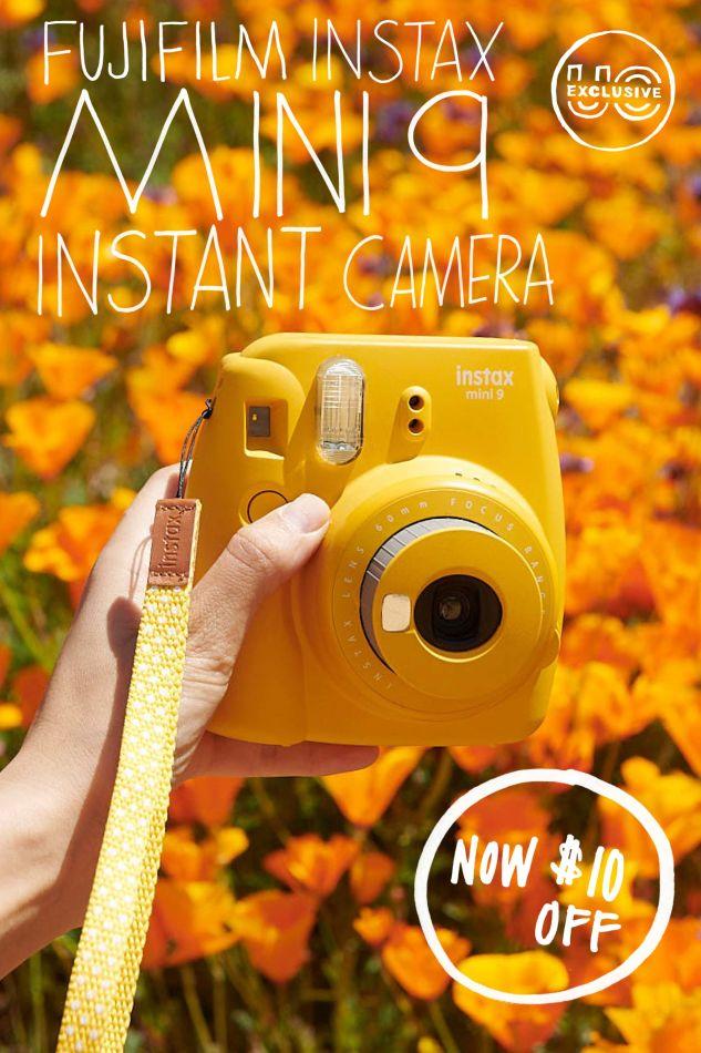 c6f0964809 Cameras · Polaroid Originals UO Exclusive Classic Rainbow 600 Instant Camera