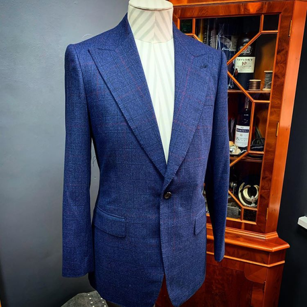 Caccopoli prince of wales suit