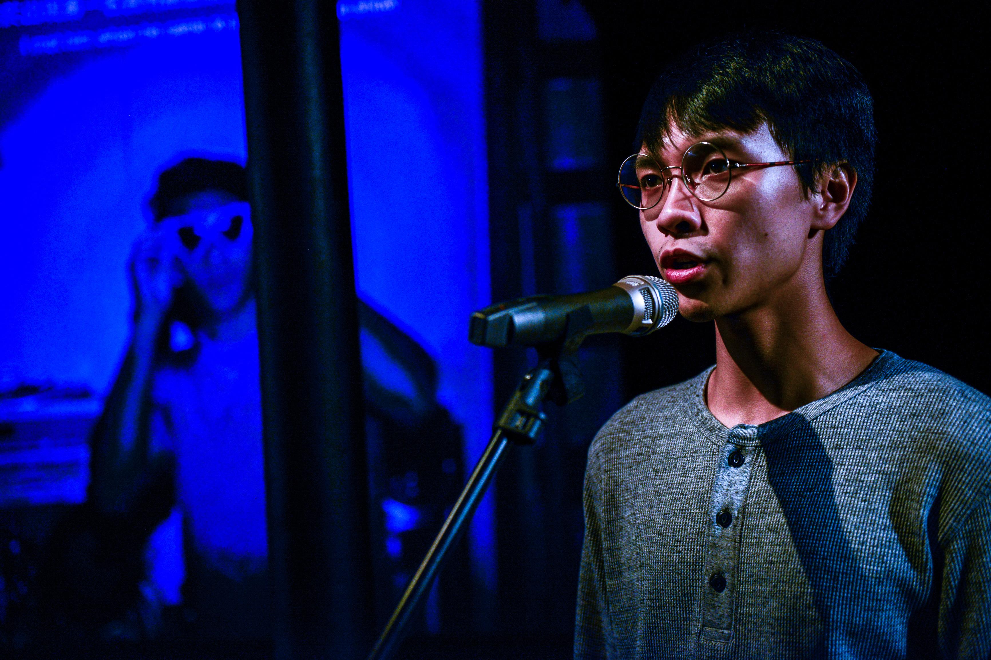《山下的證詞》/人物:吳景隆/類別:演出、《山下的證詞》/攝影:Fung Wai Sun/(天台製作 • 香港專業劇團)