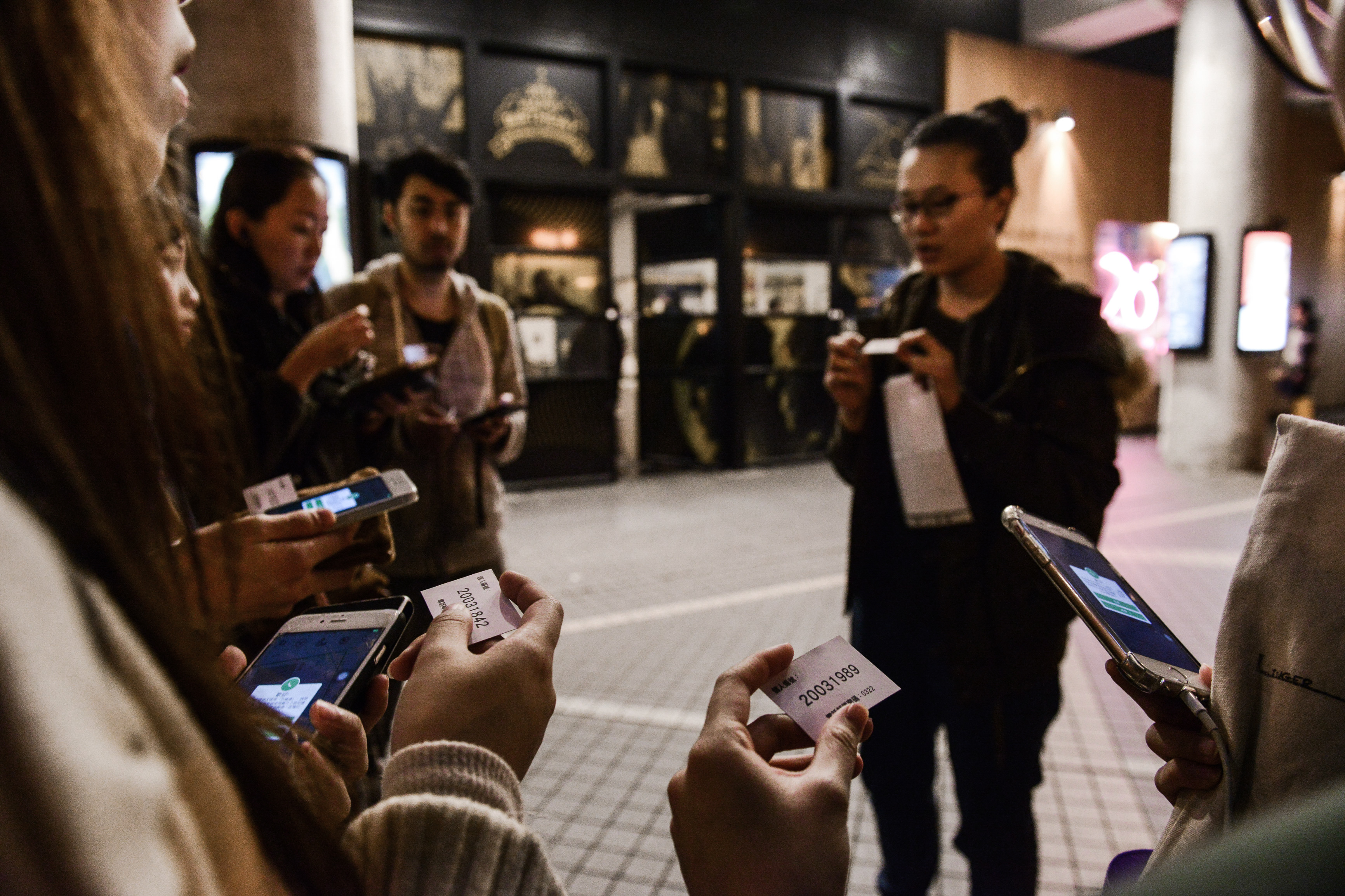 《消失的海岸線》/人物:李婉晶/類別:《消失的海岸線》、演出/攝影:Fung Wai Sun/(天台製作 • 香港專業劇團)