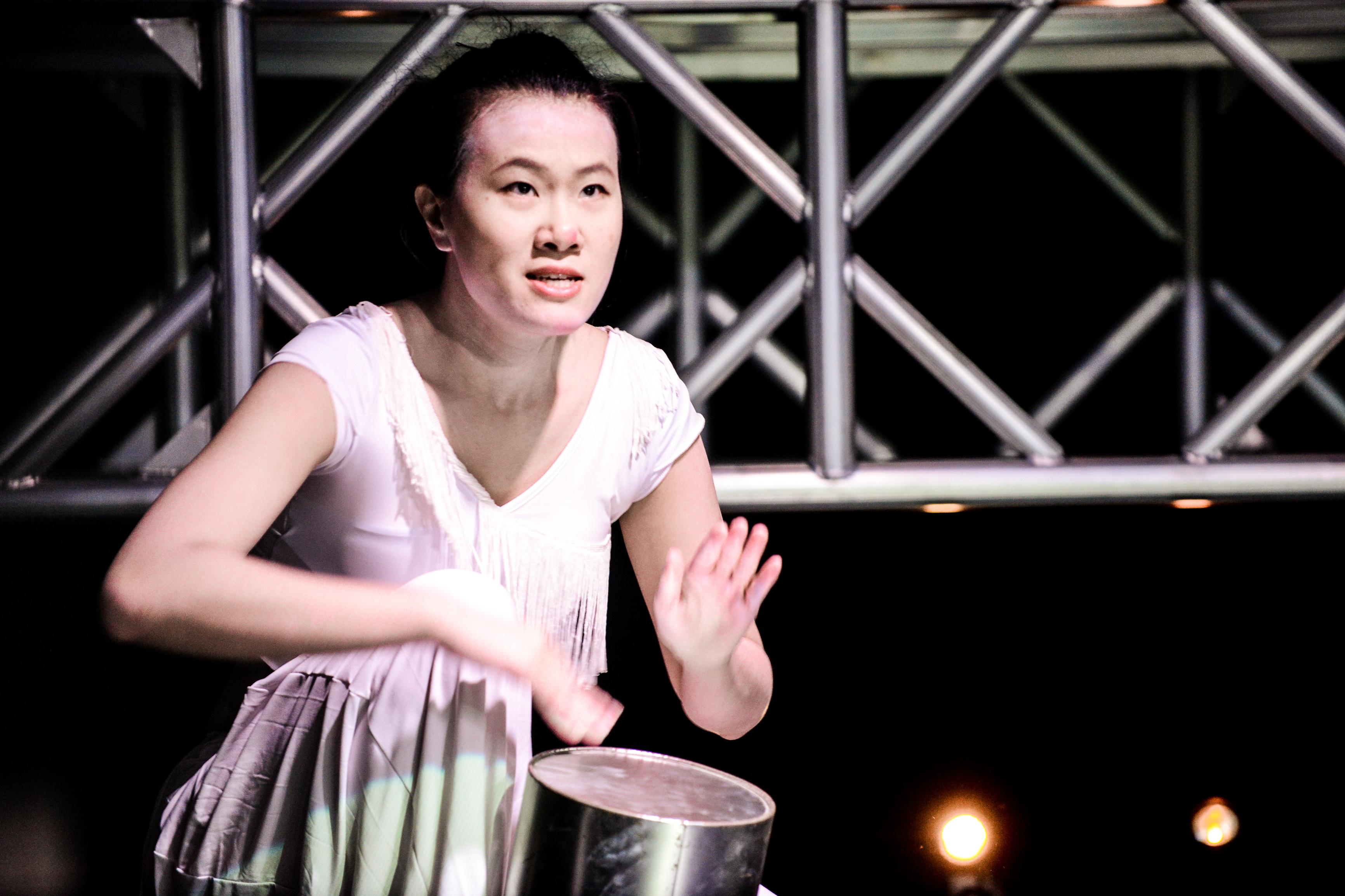 《行為淪喪》/人物:李婉晶/類別:演出、《行為淪喪》/攝影:Fung Wai Sun/(天台製作 • 香港專業劇團)
