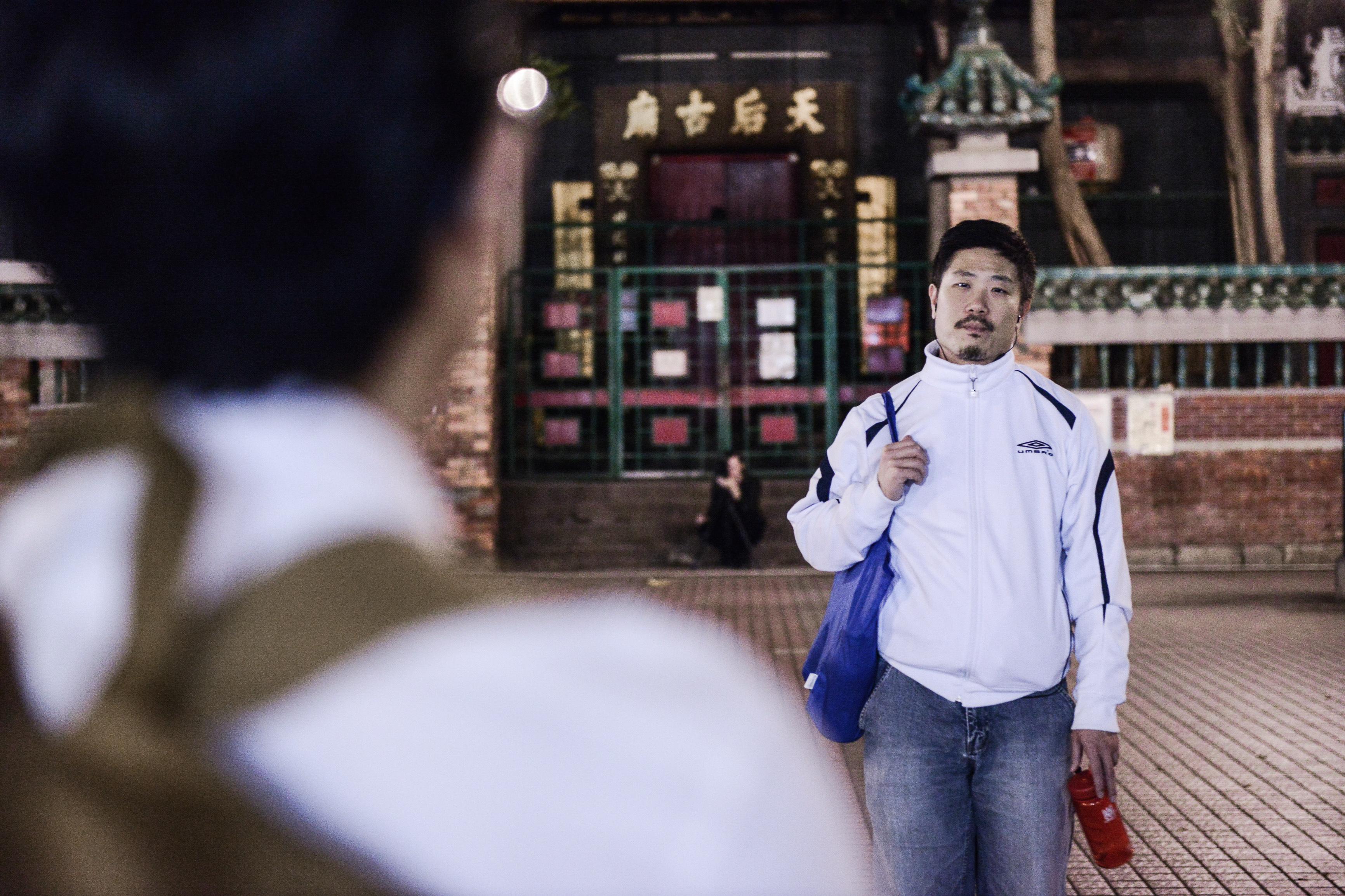 《消失的海岸線》/人物:宋本浩/類別:《消失的海岸線》、演出/攝影:Fung Wai Sun/(天台製作 • 香港專業劇團)