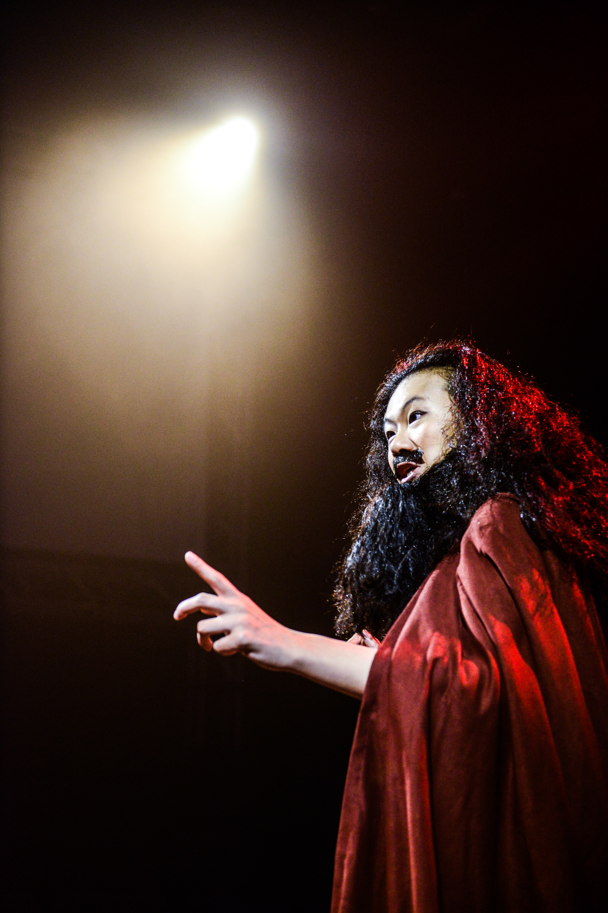 Ai ah! This Menelaus is really troublesome | Featuring: Michelle Li | Tagged as: Show, The Furies Variations | Photo: Fung Wai Sun |  (Rooftop Productions • Hong Kong Theatre Company)