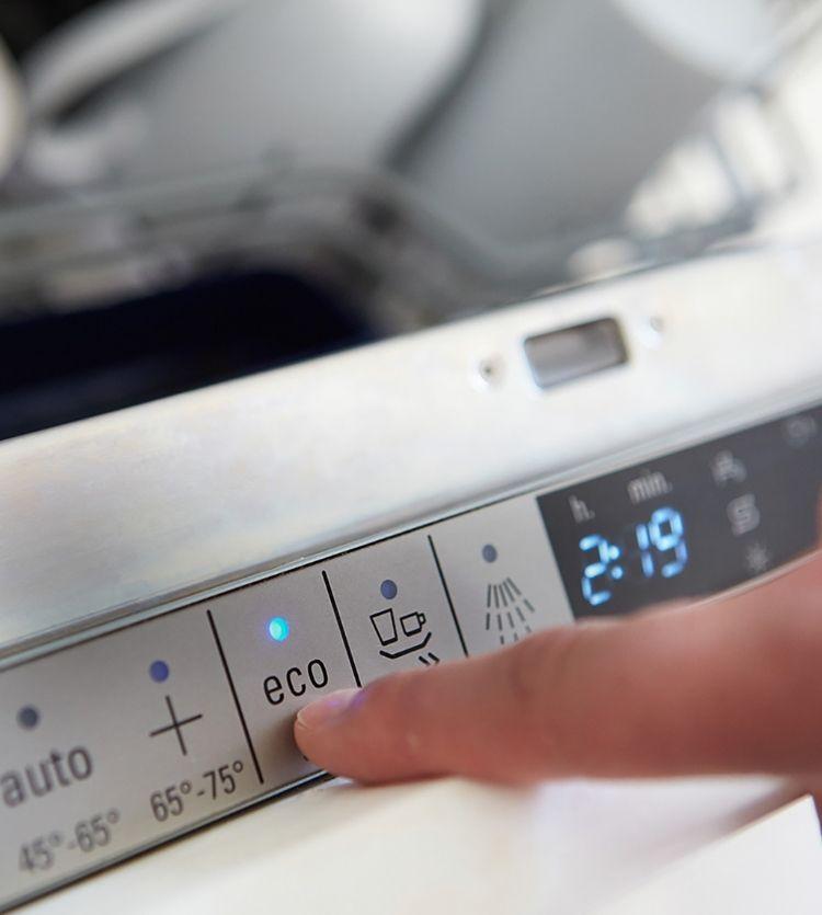 Ecofriendly quick wash setting on dishwasher