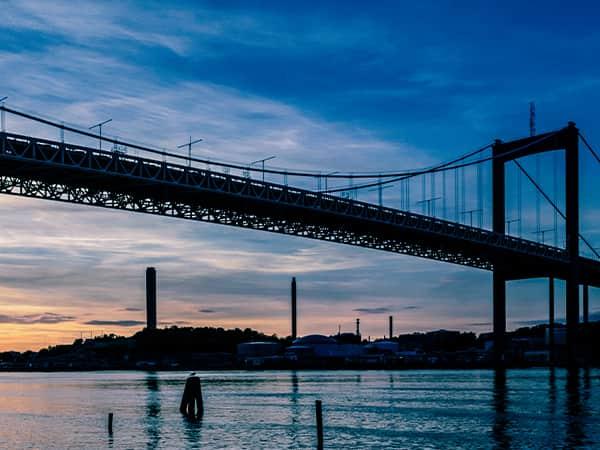 Tele2 Företag Göteborgs hamn i kvällsljus