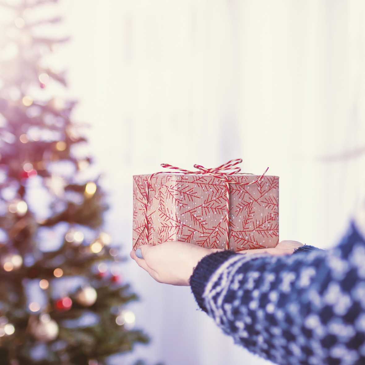 Tips on How to Buy Holiday Gifts for Family Members Who Hate Gifts