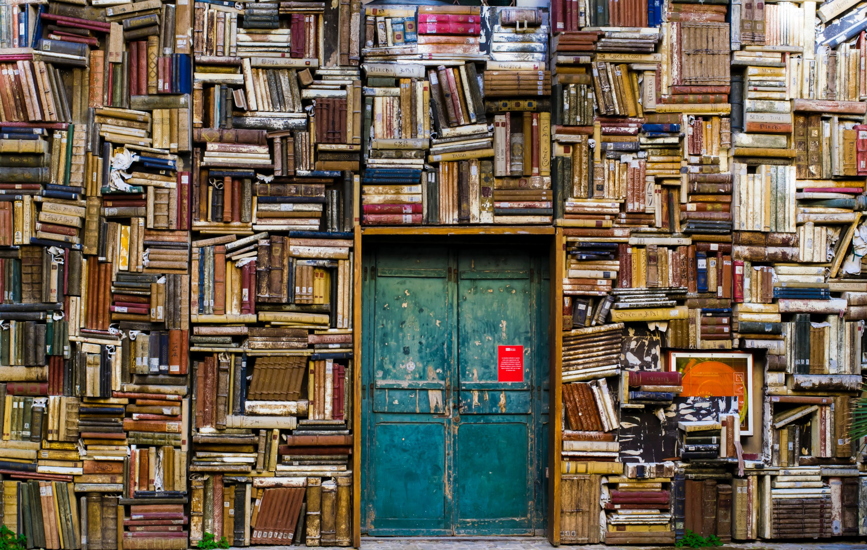 Door and books eugenio-mazzone-6ywyo2qtaZ8-unsplash