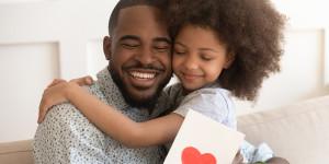 Faire plaisir avec un livre audio pour la fête des Pères