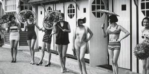 Die Mode der 1920er: mondäne Schnitte und opulentes Dekor