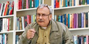 """Andrzej Sapkowski répond à (certaines) de nos questions brûlantes sur """"Le Sorceleur"""""""