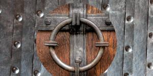 Großes Geheimnis: Türen in der Literatur