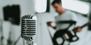 Audiolibri scritti da cantautori
