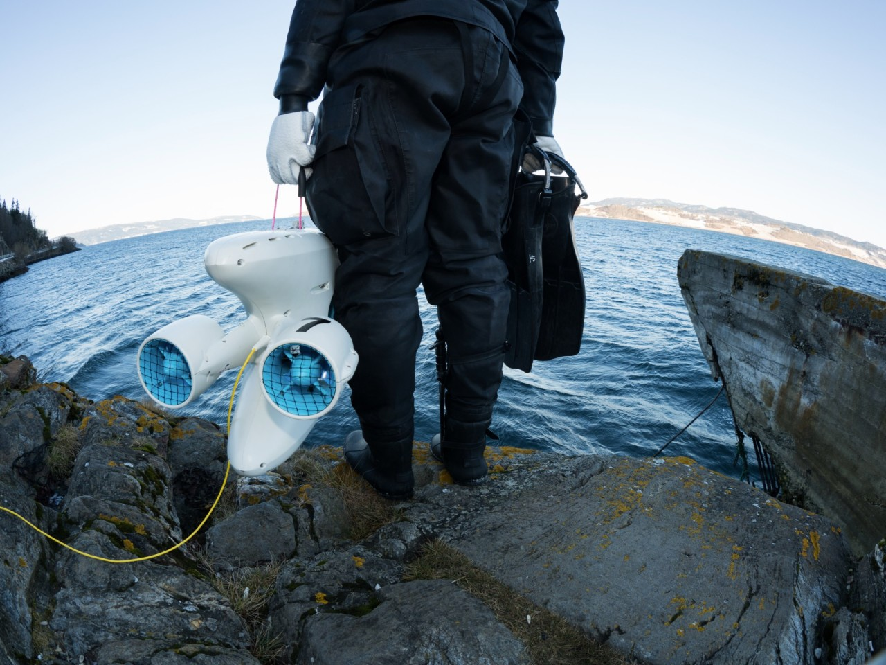 PioneerOne and scuba diver ready to explore the Trondheim fjord