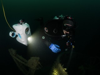 Dive buddy - our drones allow you to dive while staying dry on top