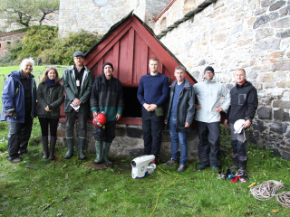 Group photo after successfully exploring the full extend of the tunnell
