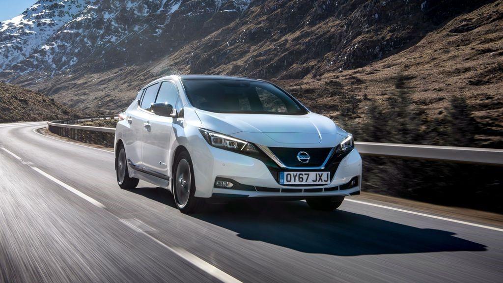 White Nissan Leaf