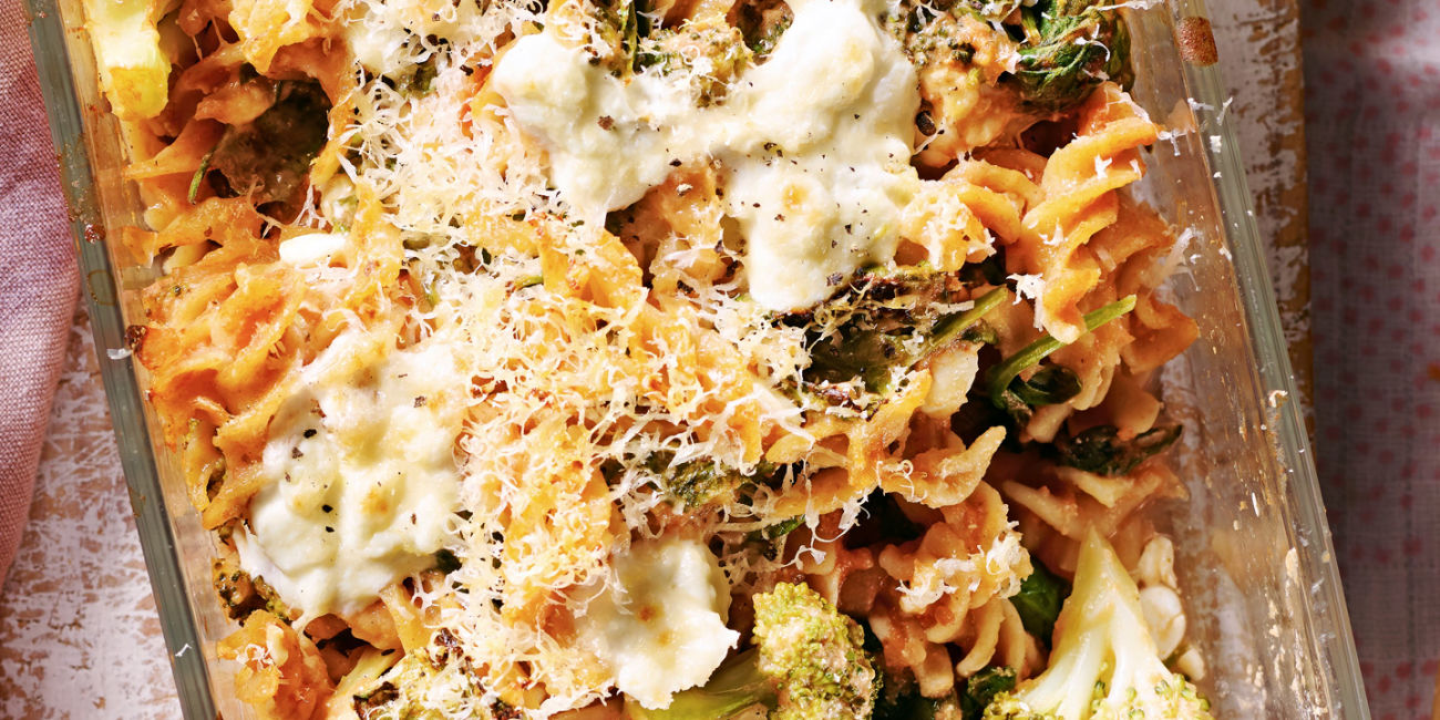 Spinach and broccoli pasta bake