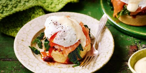 Crumpet eggs royale