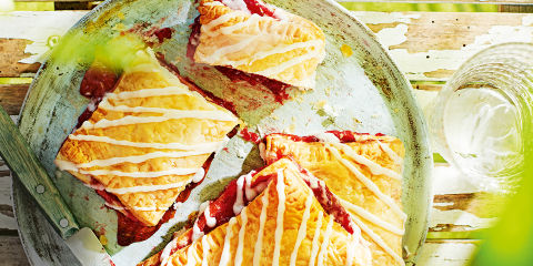 Strawberry pastry pockets