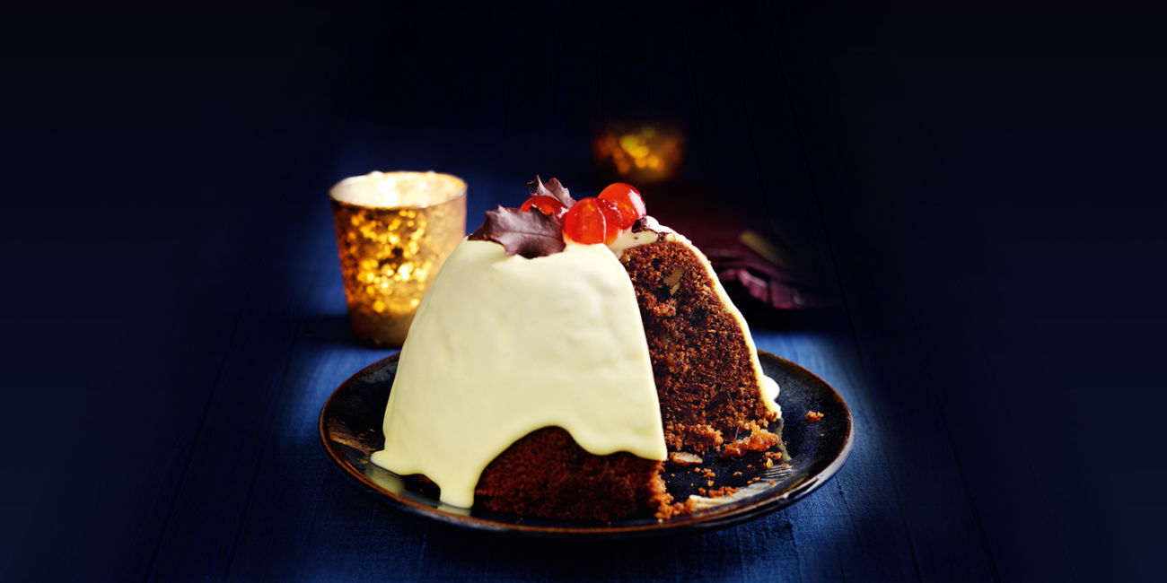 Christmas pudding surprise cake