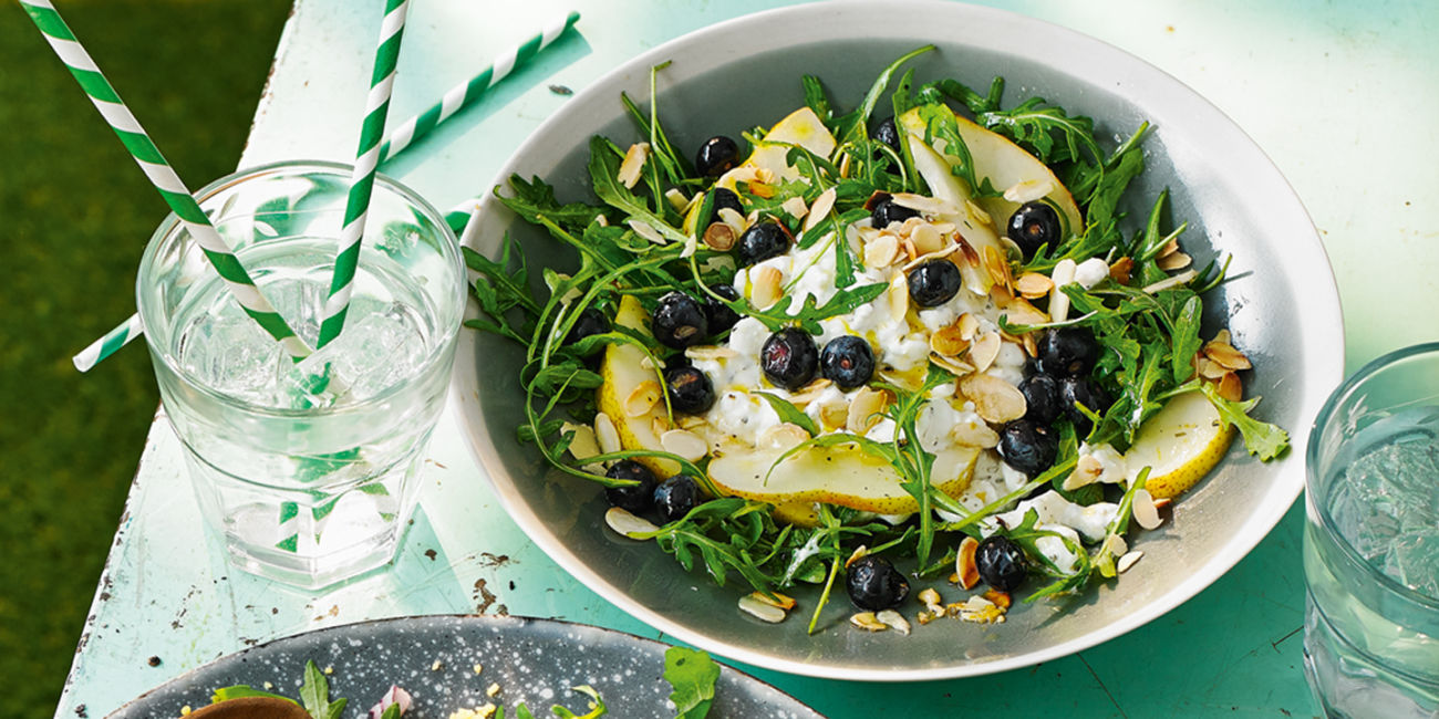 Blueberry and cottage cheese salad