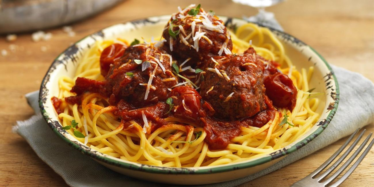 Meatballs with chilli and tomato sauce