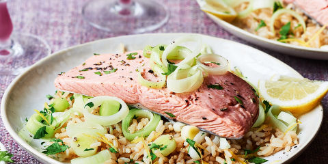 Green tea salmon with herby rice