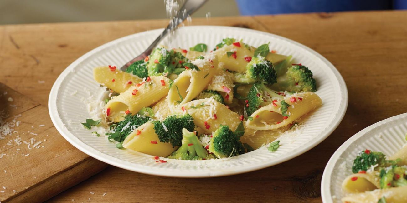 Pasta with broccoli and chilli
