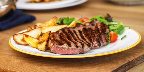 Steak with wedges
