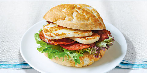 Chorizo and halloumi burgers