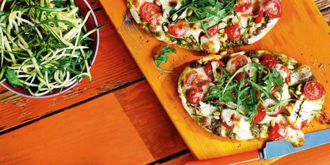 Pitta pizza with courgette salad