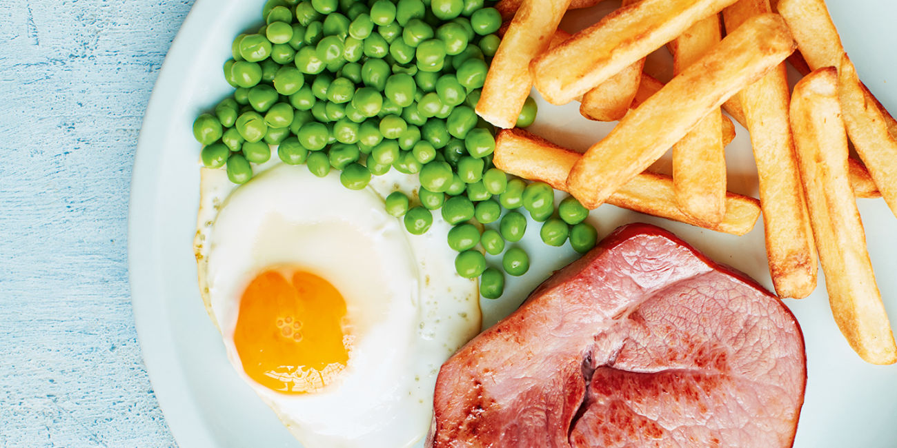 Ham, egg, chips and peas