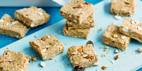 Nut and oat bites